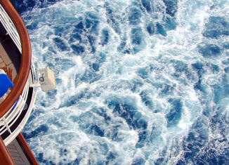 Crew member on Royal Caribbean Oasis of the Seas threatens suicide, brought to safety