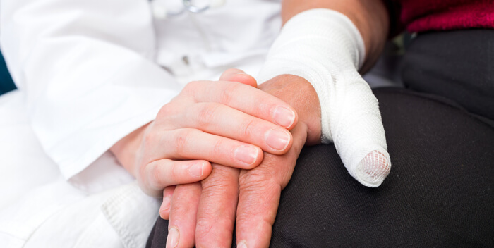 Man sues Disney Cruise Line, claims thumb was severed by cabin door
